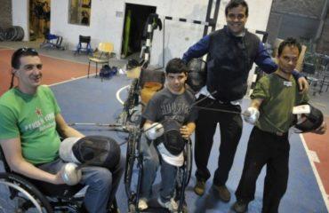 URUGUAY: Los Mosqueteros del esfuerzo, esgrima en silla de ruedas en Apri